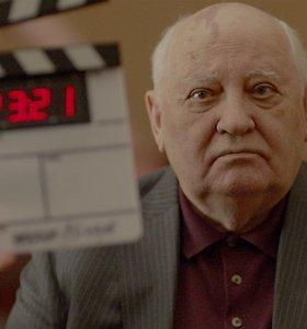 """Filmas """"Herzogas/Gorbačiovas"""": W.Herzogo panegirika nebeegzistuojančios imperijos valdovui"""