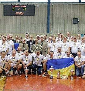 Varėnoje dėl Ukrainos ambasadoriaus taurės vėl varžysis rankinio veteranai