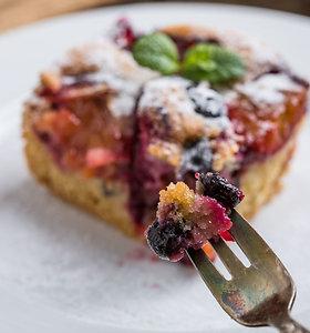 Drėgnas ir kvapnus slyvų pyragas