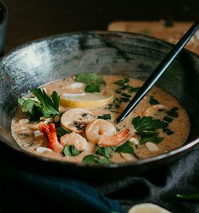 Rytietiški skoniai jūsų lėkštėje: švelniai aštri kokosų pieno sriuba