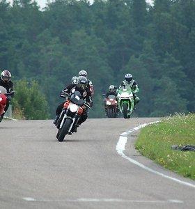 Keliuose sparčiai auga naujų motociklų skaičius: lemia keli faktoriai