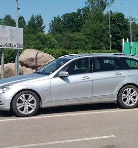 """JAV skyrė 13 mln. JAV dolerių baudą """"Mercedes Benz"""" dėl netinkamo klientų informavimo"""