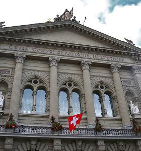 Šveicarai siekia imigracijos kontrolės: balsuos, ar nutraukti laisvą judėjimą su ES