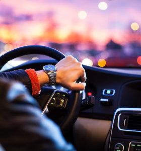 """Daugiau nei 20 metų vairuojantį Ričardą nustebino draudimo kaina: """"Jaučiuosi diskriminuojamas"""""""