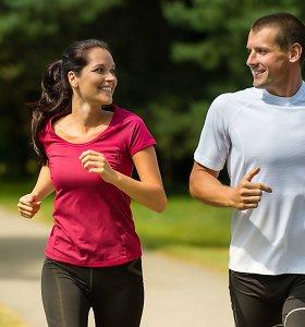 Trenerės patarimai pradedantiems bėgioti: stebėkite kūno siunčiamus signalus – klaidos gali baigtis traumomis