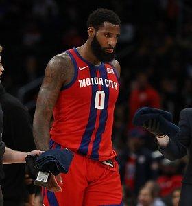 """NBA mainų atgarsiai: """"už traškučių pakelį"""" išmainyta žvaigždė pasigedo ištikimybės"""