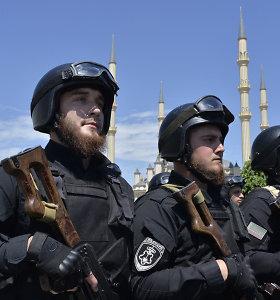 Maskva: į Sirijos pasienį iš Rusijos atvyko patruliuoti 300 čečėnų karo policininkų