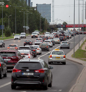 Kokius automobilius 2019 m. rinkosi lietuviai ir ko tikėtis šiais metais?