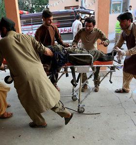 Rytų Afganistane per prieš autobusą nukreiptą ataką žuvo mažiausiai 10 žmonių