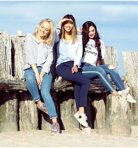 """""""Queens of Roses"""" pajūryje įsiamžino naujoje fotosesijoje: """"Moteriška draugystė – sudėtingas darbas"""""""