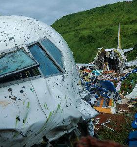 Indijoje lėktuvo katastrofos aukų padaugėjo iki 18