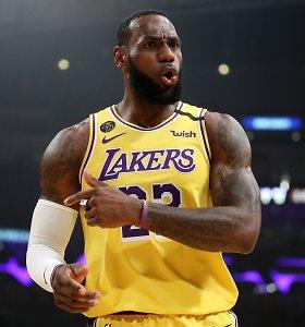 """""""Lakers"""" žvaigždžių spindesys apakino be lyderių likusius """"76ers"""""""