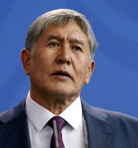 Kirgizijos buvusio lyderio šalininkai reikalauja paleisti parlamentą