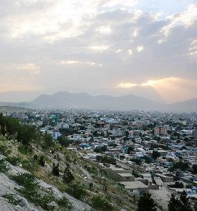 Talibanas mėgina nutraukti elektros tiekimą Kabului
