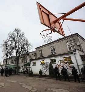 """Prieš Kalėdas iš Pravieniškių pasišalinęs nuteistasis pagaliau grąžintas """"namo"""""""