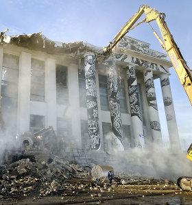 Profsąjungų rūmai skaičiuoja paskutines dienas: jau griaunamos kolonos