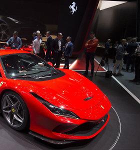 """Greičiausias """"Ferrari"""" su V8: """"F8 Tributo"""" numetė 40 kg svorio ir prisijaukino 50 arklių"""