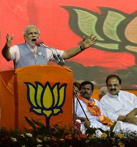 Narendra Modi siekia vainikuojamos pergalės Indijos rinkimuose