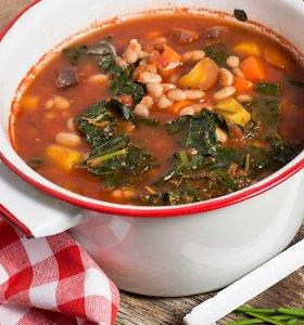 Kol laukiame naujo gėrybių sezono: 15 sriubų su žirniais, pupelėmis, avinžirniais
