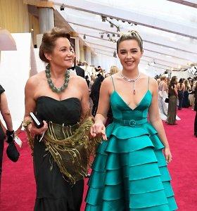 """Į 2020 metų """"Oskarus"""" – su mama: kurios Holivudo žvaigždės ant raudono kilimo pozavo su savo brangiausiais žmonėmis?"""
