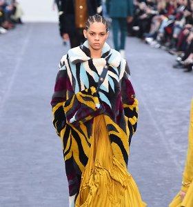 """Milano mados savaitė: """"Roberto Cavalli"""" 2019–2020 m. rudens ir žiemos kolekcija"""