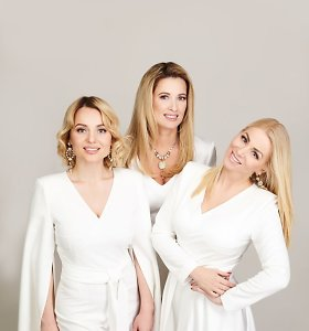 """Vaida Genytė, Renata Norvilė ir Neringa Nekrašiūtė siunčia kalėdinį sveikinimą: perdainavo """"Aleliuja"""""""