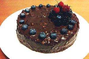 Šokoladinis tortas su graikiniais riešutais (Rūtos K. receptas)