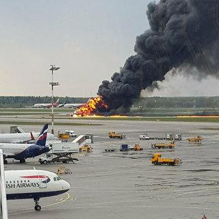 """""""Aeroflot"""" lėktuvo katastrofa Maskvos Šeremetjevo oro uoste"""