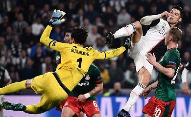 """Čempionų lyga: C.Ronaldo į nokdauną siuntė vartininką, """"Real"""" nusiplėšė gėdą"""