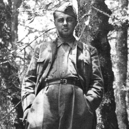 Wikipedia.org nuotr./Partizanų vadas Enveras Hoxha (1944 m.)
