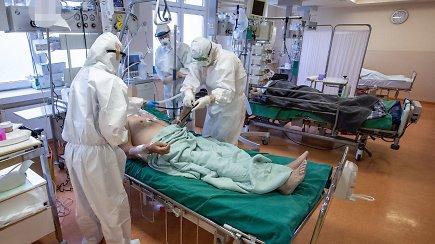 Speciali vaizdo medžiaga iš kovos su koronavirusu epicentro Santaros klinikose