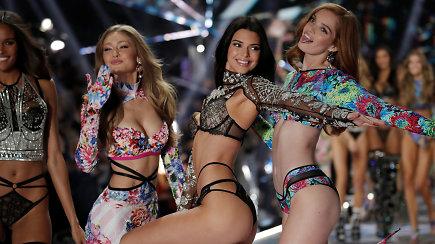 """Niujorką sudrebino seksualiausias metų renginys – """"Victoria's Secret"""" pasaka ant podiumo"""
