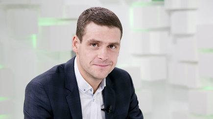 Išduotas frakcijos, iš Seimo vicepirmininko posto išmestas: ar dar turi politinę ateitį R.Žemaitaitis?