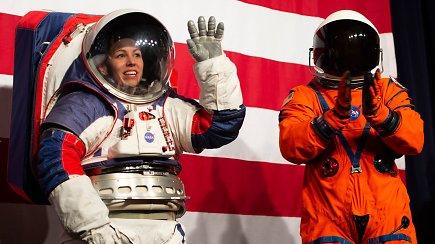 NASA pristatė naujos kartos skafandrus išsilaipinimui Mėnulyje