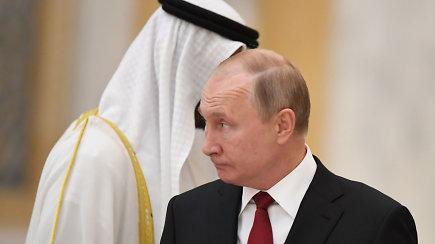 Vladimiras Putinas atvyko į JAE savo pirmojo nuo 2007 metų vizito