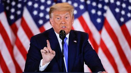 """Neįprasta D.Trumpo kalba Baltuosiuose rūmuose: """"Jau ruošėmės didelei šventei. Mes laimėjome viską"""""""