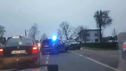"""Tris vaikus avarijoje Kaune sužeidęs """"Volvo"""" vairuotojas buvo išgėręs"""
