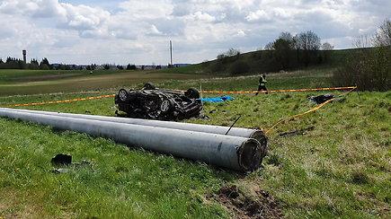 """""""Opel"""" avarija Utenos rajone pareikalavo trijų gyvybių"""