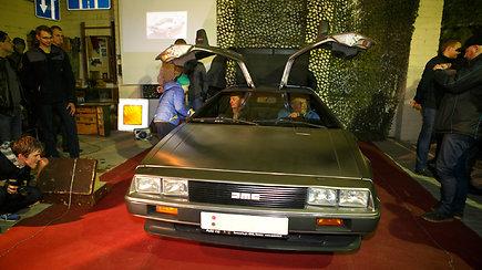 Visuomenei pristatytas istorinis automobilis DeLorean DMC-12