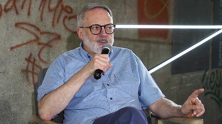 "15min Klausyk! gyvi pokalbiai: diskusija su komiku Geoffrey Brownu apie ""Brexit"" [EN]"