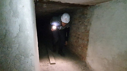 Pasivaikščiojimas po Profsąjungų rūmais rastą slėptuvę