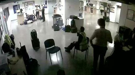 """""""Ryanair"""" paskelbė vaizdo įrašą, demaskuojantį įgulos melą"""