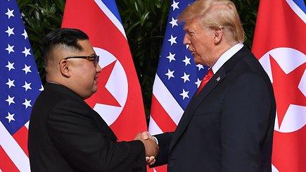 Istorinis susitikimas: Šiaurės Korėjos vadovas susitiko su JAV prezidentu