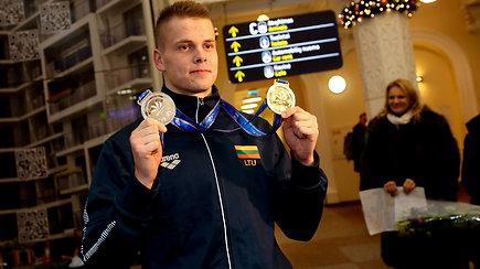"""Danas Rapšys į Lietuvą grįžo be daiktų, bet su medaliais: """"Dabar su jais gyvensiu iki pat senatvės"""""""