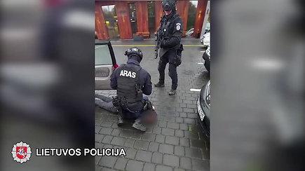 Nufilmuotas dviejų Vilniaus kriminalinių grupuočių narių sulaikymas