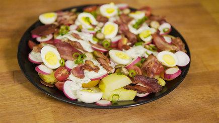 Sočios salotos išalkusiems iš bulvių, šoninės ir kiaušinių