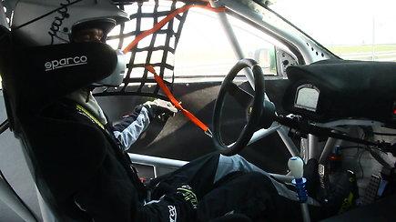 """""""Sauda racing"""" ekipą kamuoja pusašių problemos"""