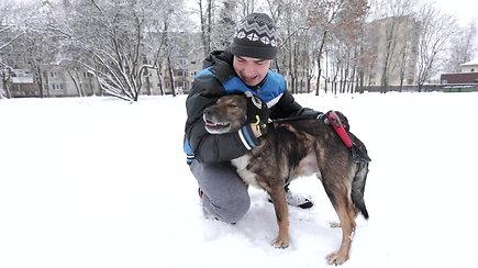 Rokas ir Rokis – gaisre užgimusi ypatinga ugniagesio ir šuns draugystė