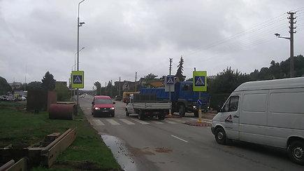 Remonto darbai Kauno Panerių g. kelia pavojų eismo dalyviams
