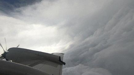 Uragano akyje pamatytas vaizdas ne juokais išgąsdino uraganų medžiotojus